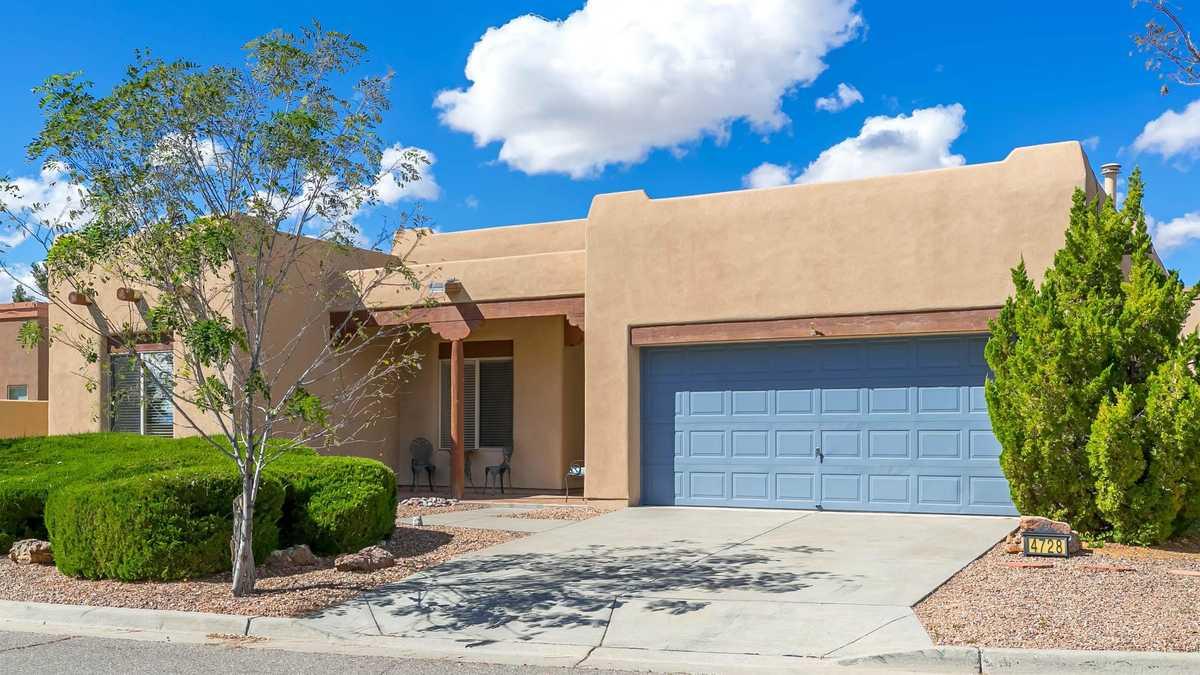 $390,000 - 3Br/2Ba -  for Sale in Highlands East, Santa Fe
