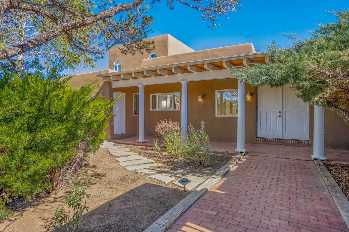 $1,275,000 - 4Br/4Ba -  for Sale in Santa Fe