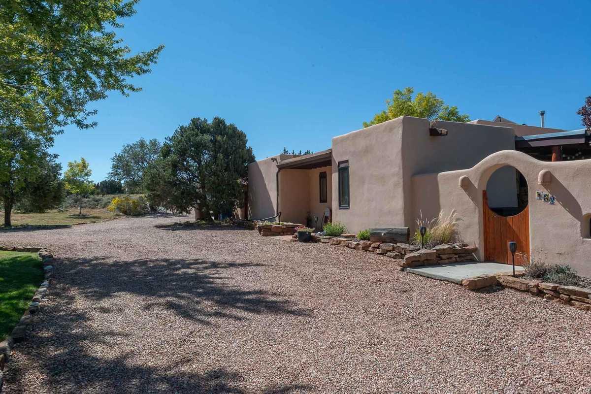 $1,050,000 - 6Br/4Ba -  for Sale in Los Alamos
