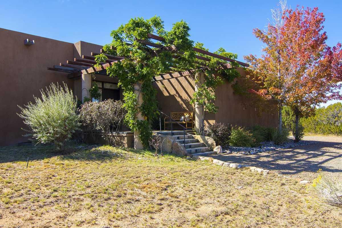 $1,195,000 - 3Br/3Ba -  for Sale in Santa Fe