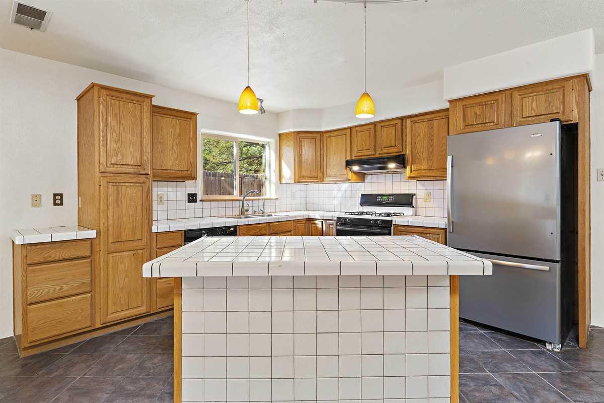 $385,000 - 4Br/2Ba -  for Sale in Santa Fe