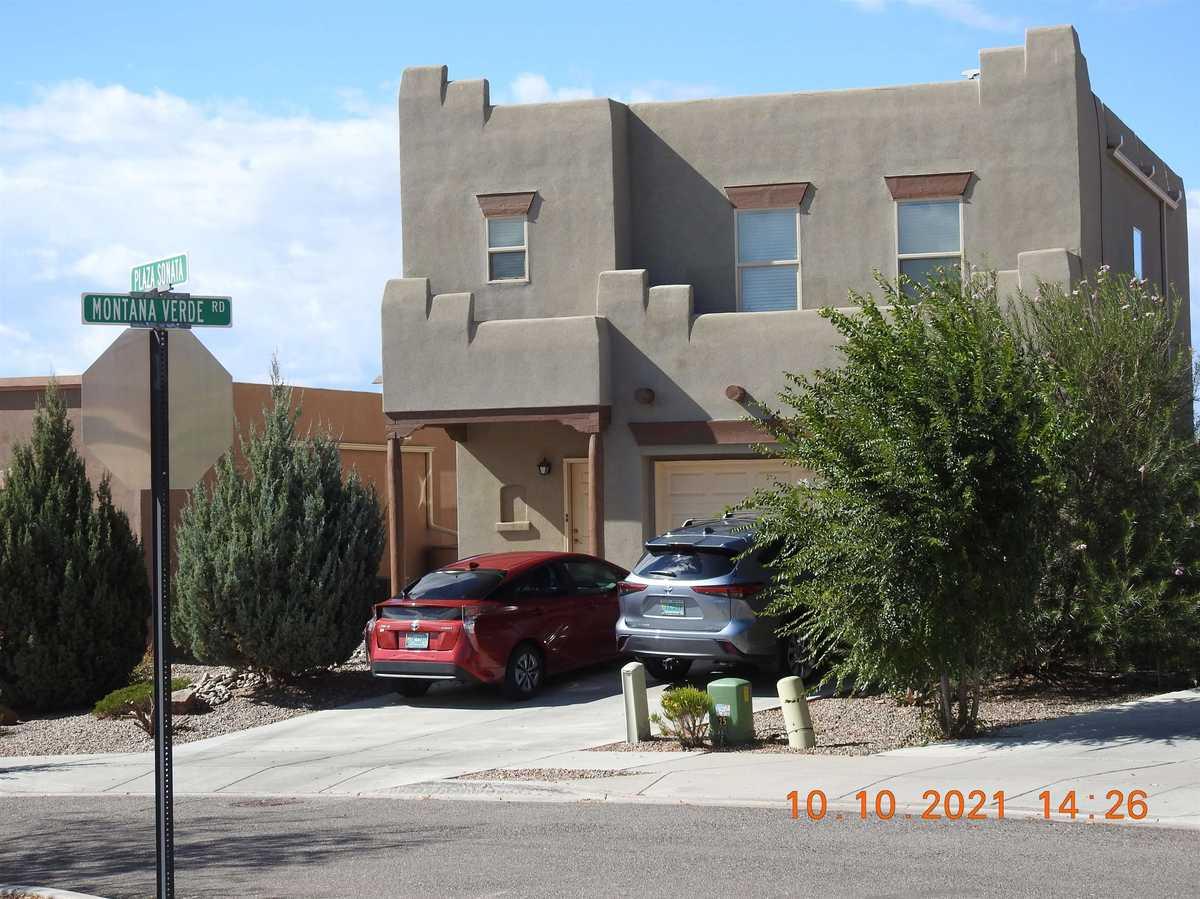 $498,500 - 4Br/3Ba -  for Sale in Villa Sonata, Santa Fe