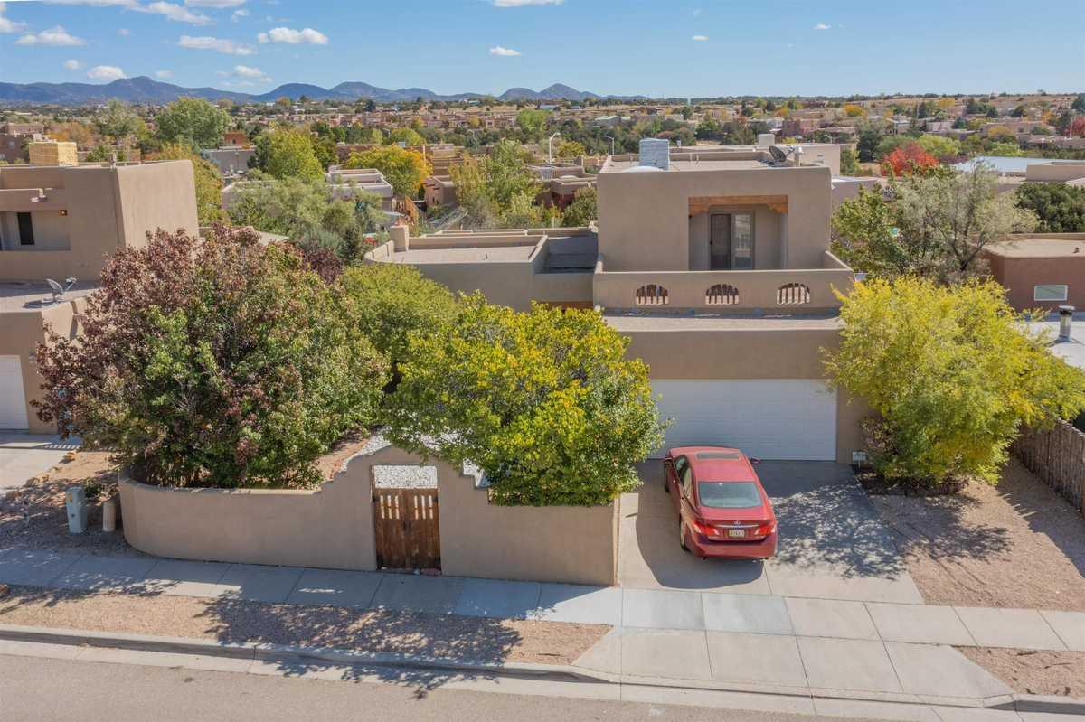 $529,000 - 3Br/2Ba -  for Sale in Pueblos Del Sol, Santa Fe