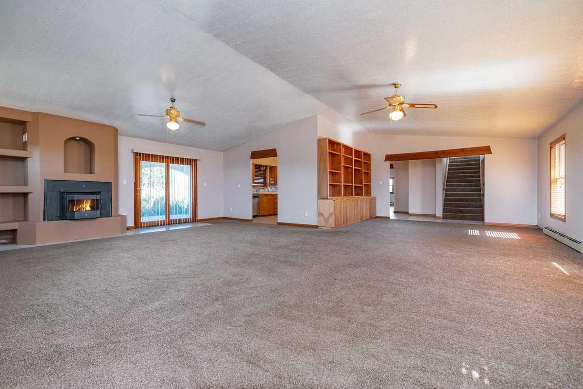 $609,000 - 4Br/3Ba -  for Sale in Santa Fe