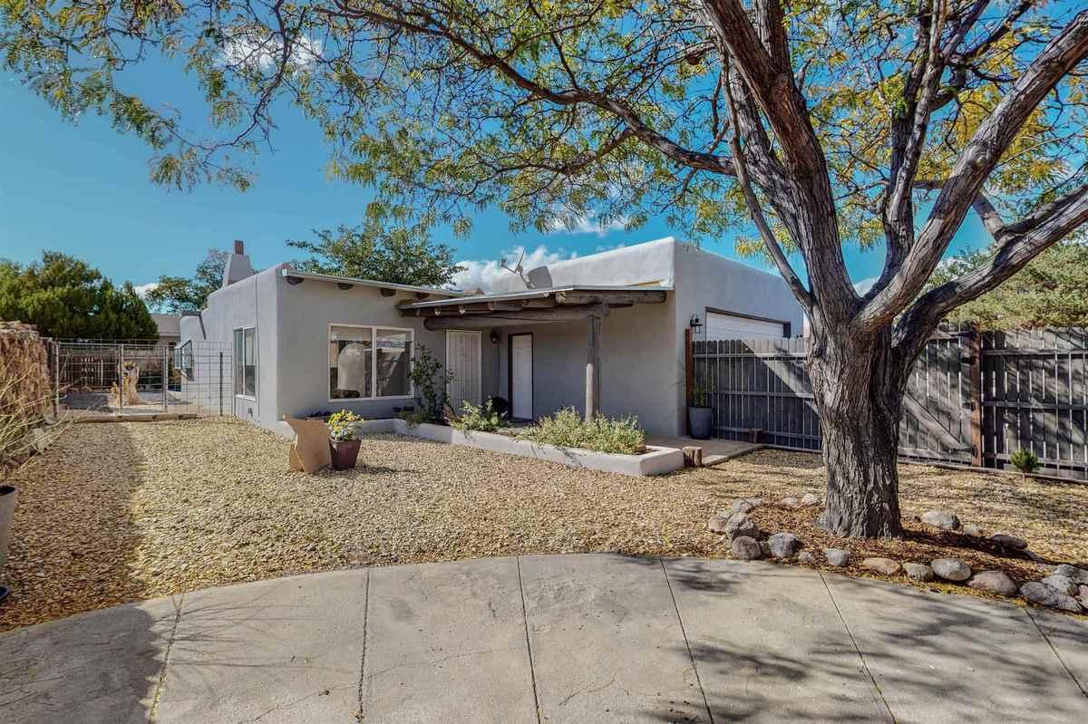 $395,000 - 3Br/2Ba -  for Sale in Santa Fe