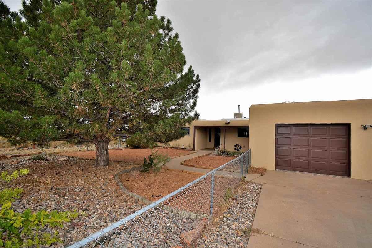 $569,000 - 4Br/3Ba -  for Sale in Pueblo De Rodeo Rd, Santa Fe