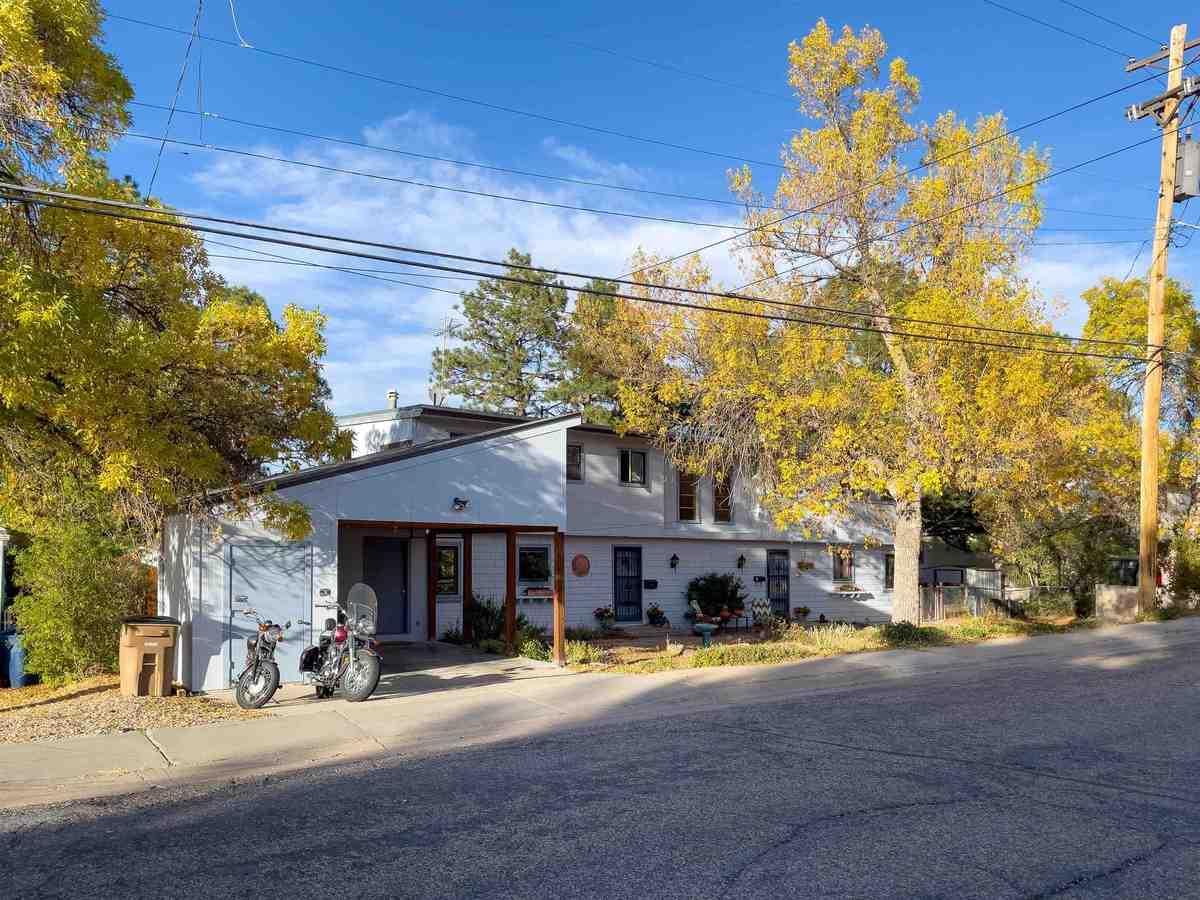 $569,000 - 5Br/4Ba -  for Sale in Los Alamos