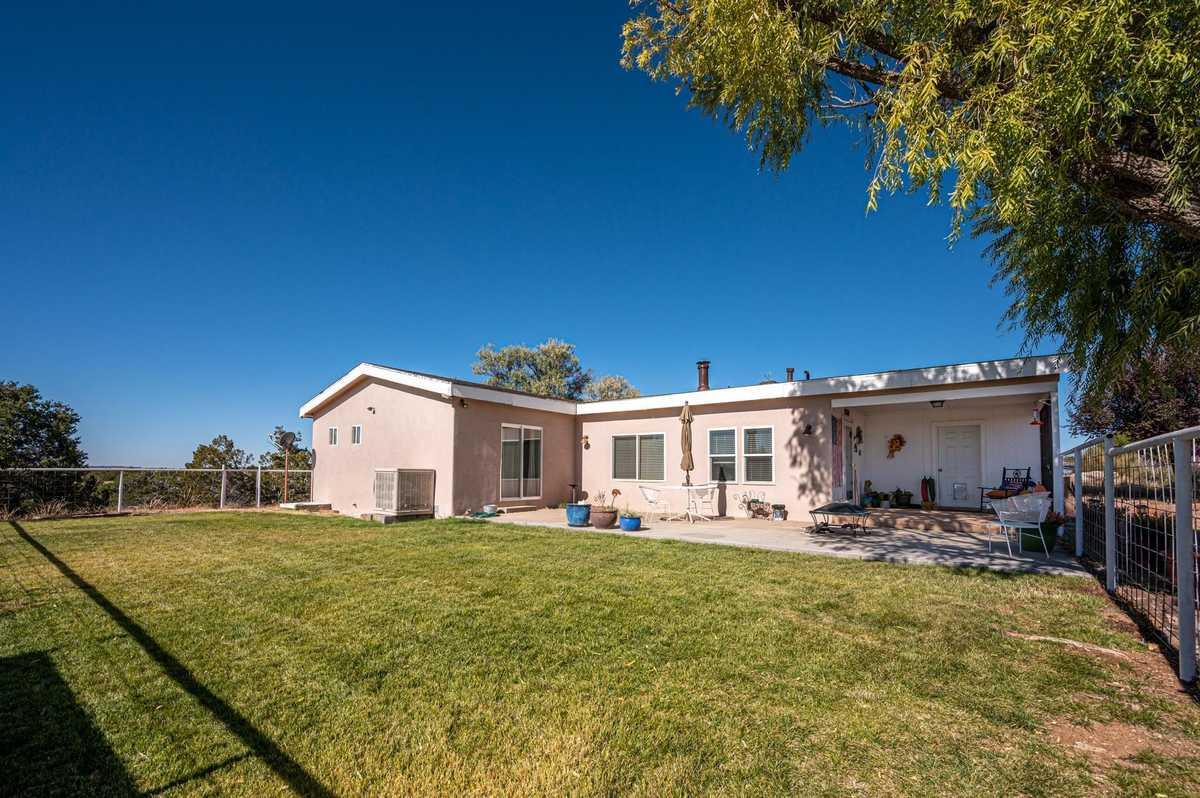 $440,000 - 3Br/3Ba -  for Sale in Santa Fe