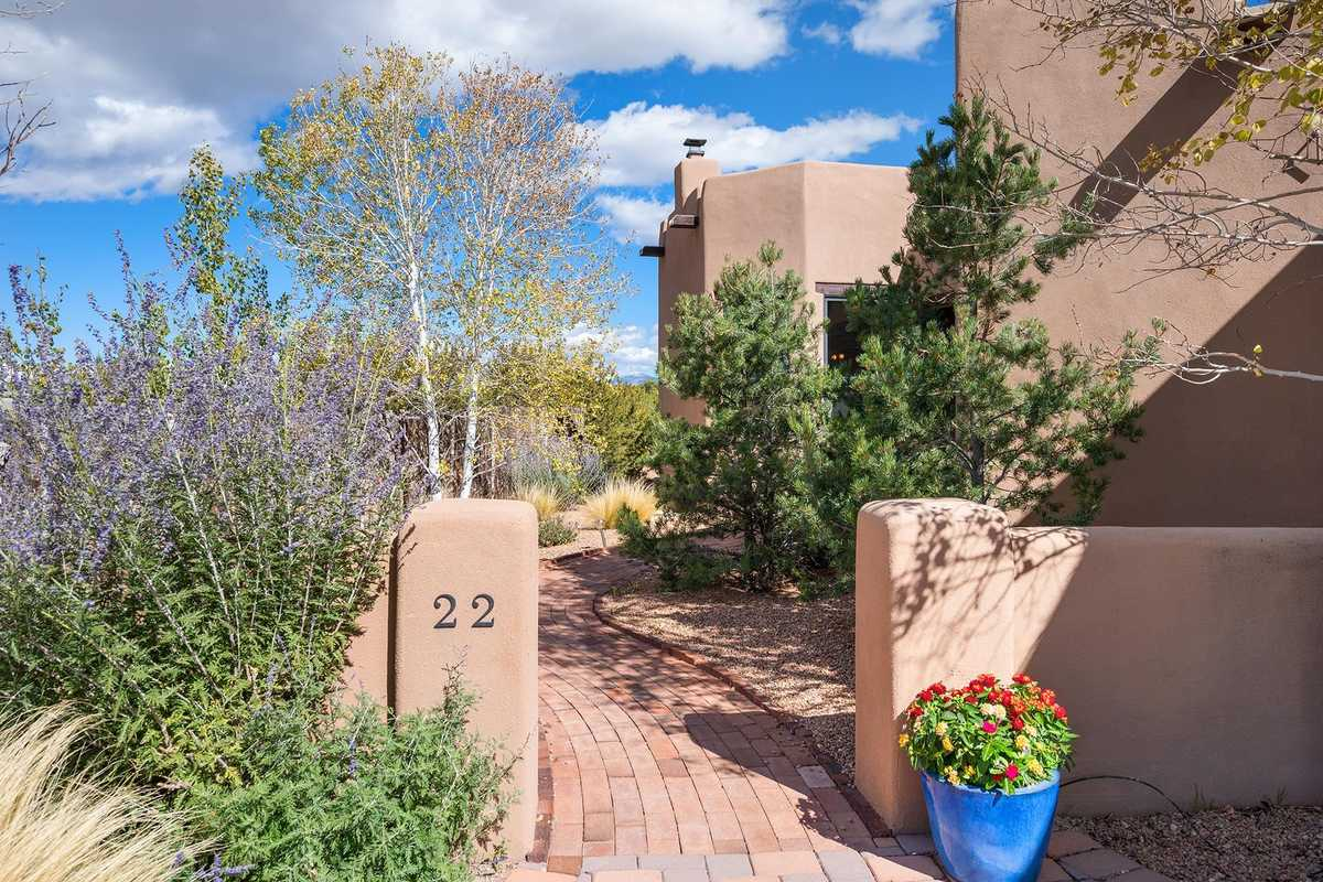 $915,000 - 3Br/3Ba -  for Sale in Aldea De Santa Fe, Santa Fe