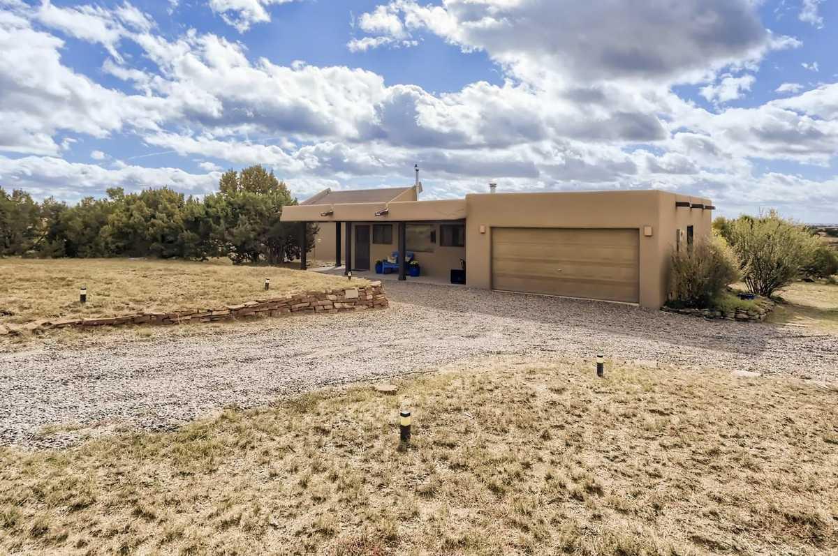 $639,000 - 3Br/2Ba -  for Sale in Eldorado, Santa Fe