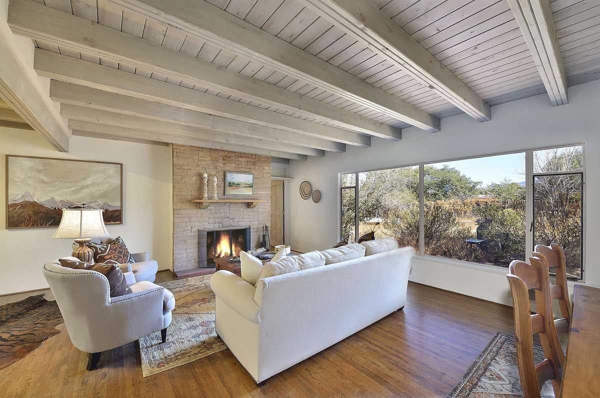 $895,000 - 4Br/3Ba -  for Sale in South Capital, Santa Fe