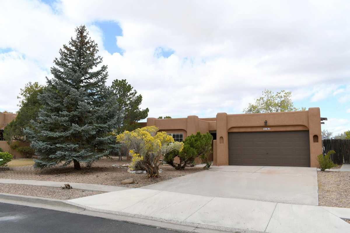 $450,000 - 3Br/3Ba -  for Sale in Vista Primera, Santa Fe
