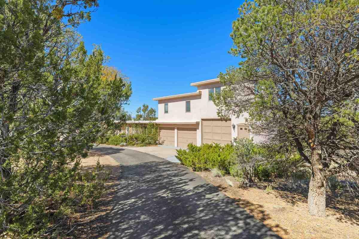 $600,000 - 3Br/2Ba -  for Sale in Santa Fe