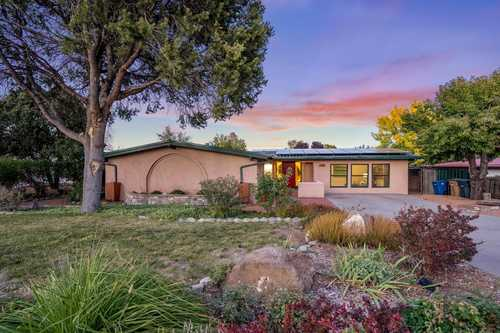 $399,000 - 4Br/2Ba -  for Sale in White Rock