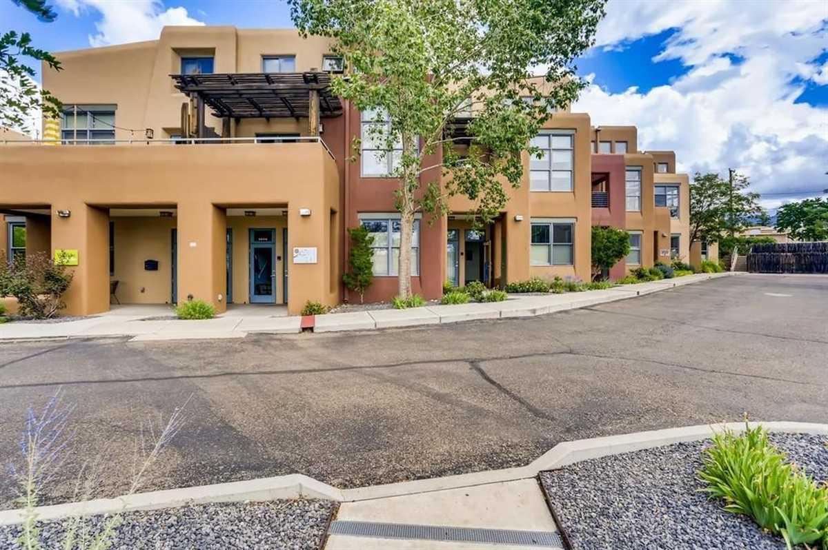 $275,000 - 1Br/1Ba -  for Sale in Santa Fe