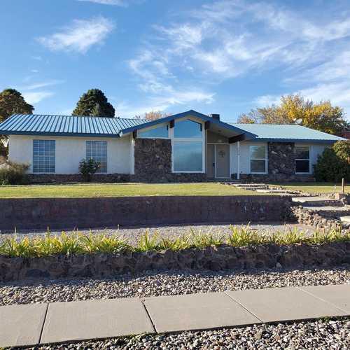 $489,000 - 4Br/2Ba -  for Sale in Los Alamos