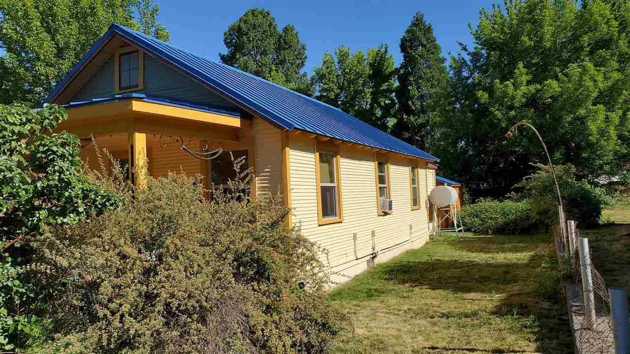 $470,000 - 2Br/1Ba -  for Sale in Mt Shasta