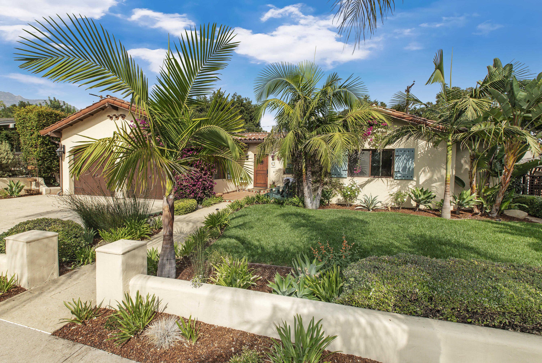 Contemporary hacienda in montecito casa allende patio - Residence de luxe montecito santa barbara ...