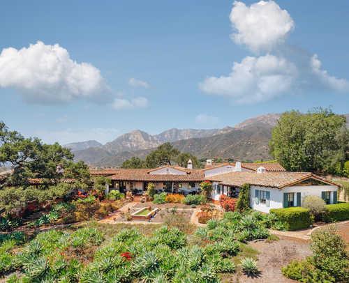$7,900,000 - 7Br/7Ba -  for Sale in Santa Barbara
