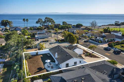 $1,749,000 - 4Br/2Ba -  for Sale in 20 - Mesa, Santa Barbara