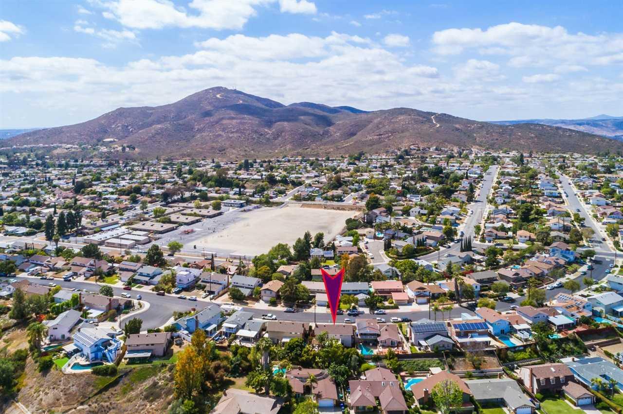 6835 Maury Drive San Diego, CA 92119