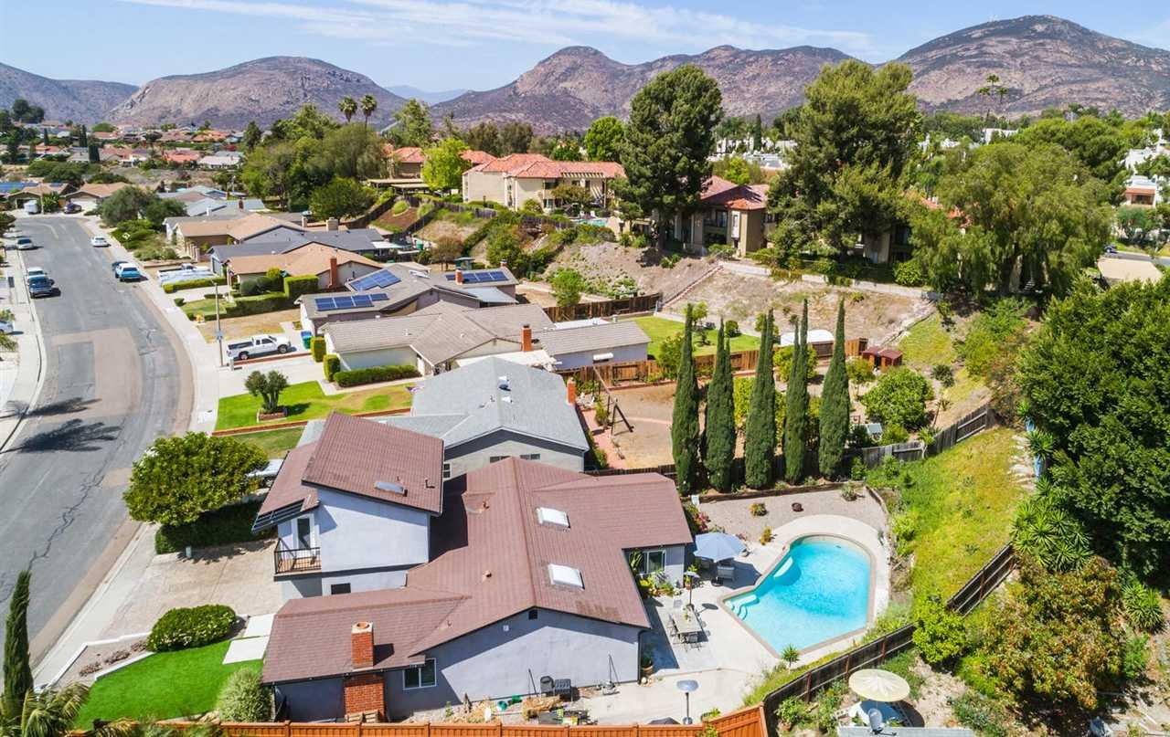 6713 Amberly San Diego, CA 92120