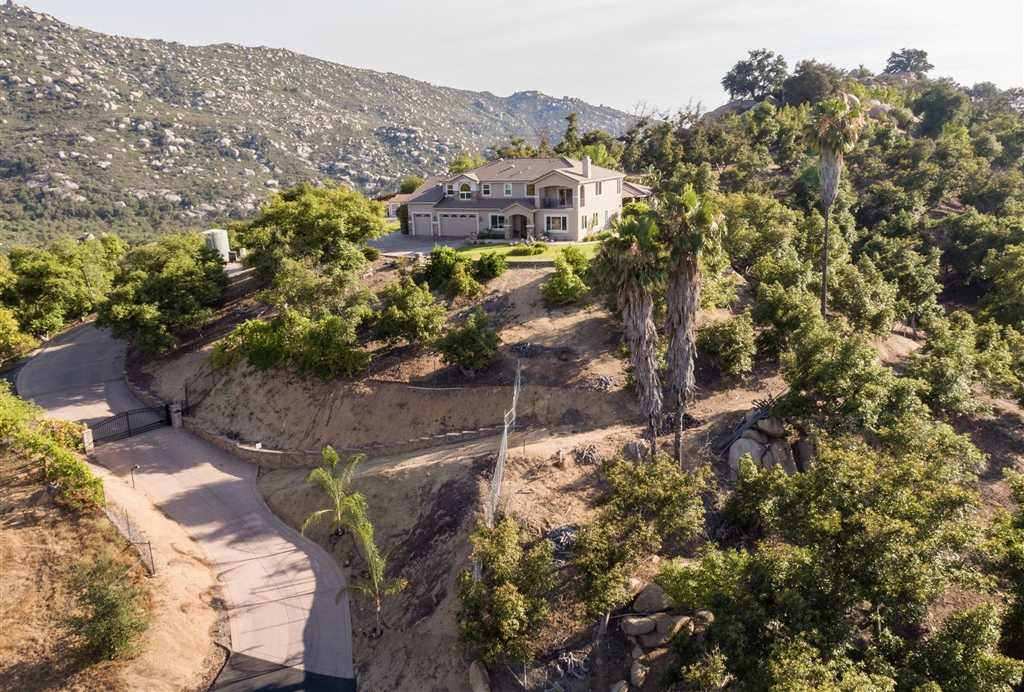 $1,800,000 - 6Br/4Ba -  for Sale in Highland Valley, Ramona