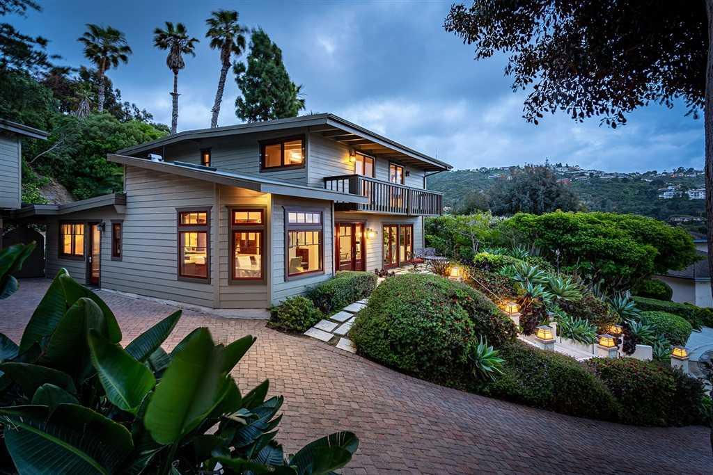 $2,600,000 - 6Br/6Ba -  for Sale in Azure Coast, La Jolla