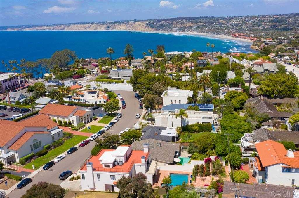 $4,395,000 - 4Br/5Ba -  for Sale in Village, La Jolla