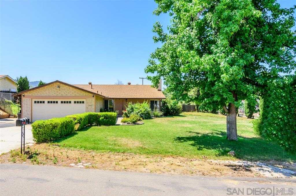 13303 Scotsman Lakeside, CA 92040