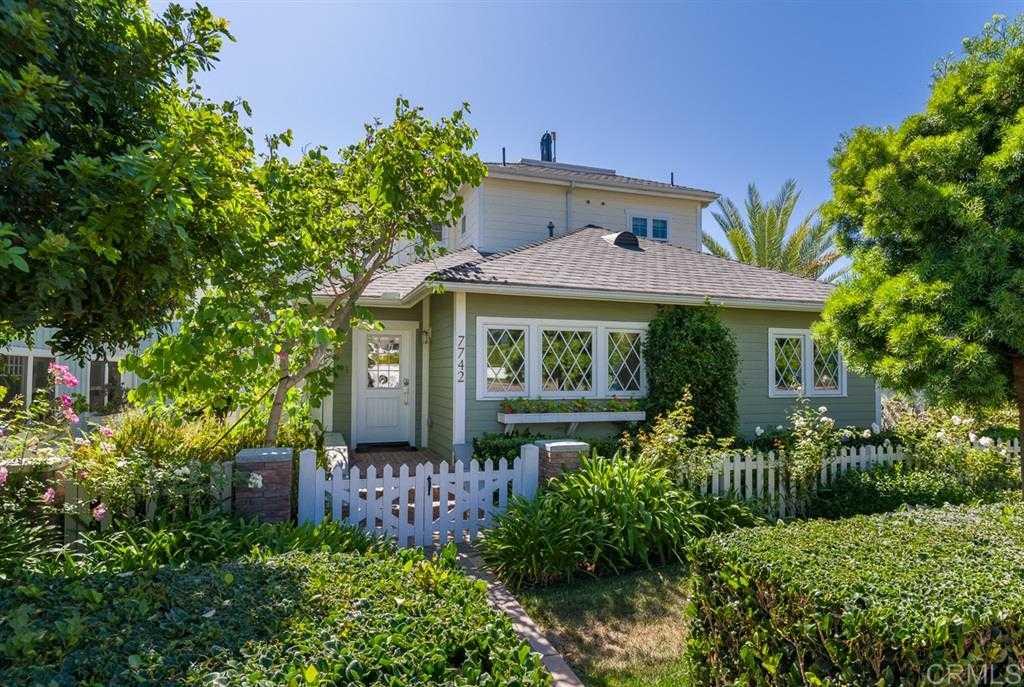 $2,995,000 - 4Br/4Ba -  for Sale in Village, La Jolla