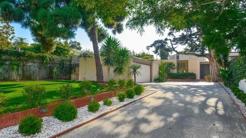 $2,500,000 - 4Br/4Ba -  for Sale in Country Club, La Jolla