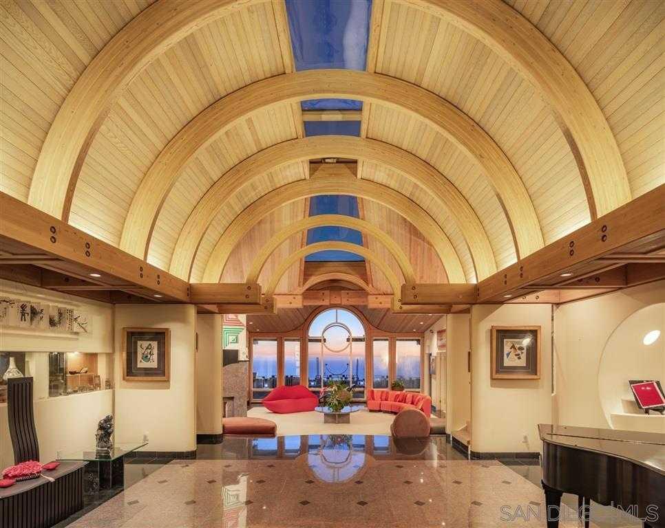 $6,395,000 - 5Br/7Ba -  for Sale in Country Club, La Jolla