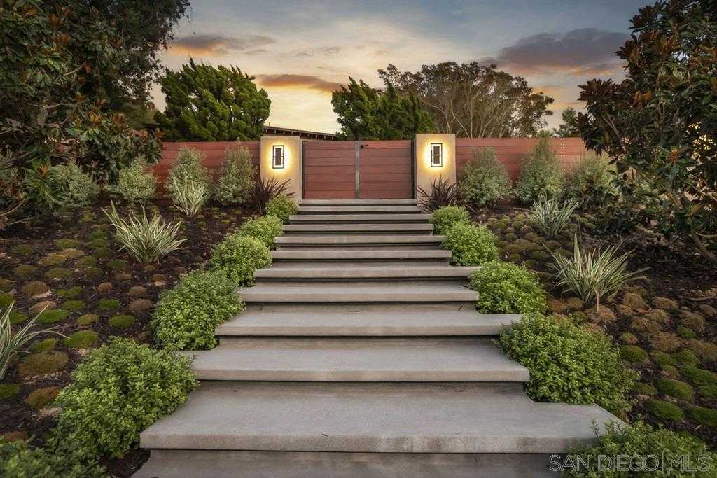$2,799,000 - 4Br/5Ba -  for Sale in Muirlands West, La Jolla