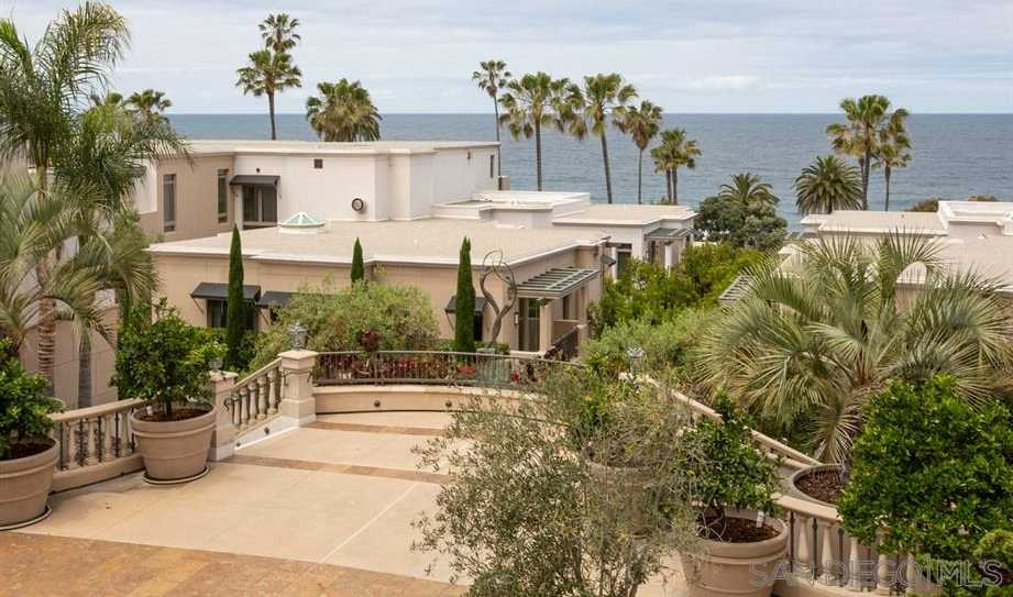 $1,985,000 - 2Br/2Ba -  for Sale in Village, La Jolla