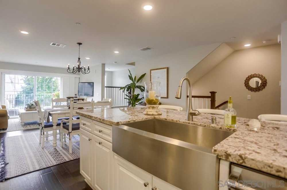 $949,000 - 2Br/3Ba -  for Sale in La Jolla Shores, La Jolla