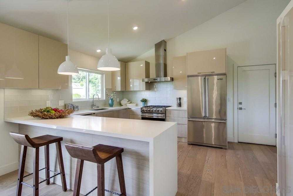 $1,949,500 - 4Br/3Ba -  for Sale in Muirlands, La Jolla