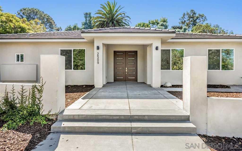 $2,350,000 - 4Br/5Ba -  for Sale in Country Club Hidden Valley, La Jolla