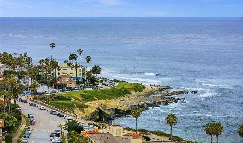 $1,975,000 - 3Br/2Ba -  for Sale in Village, La Jolla