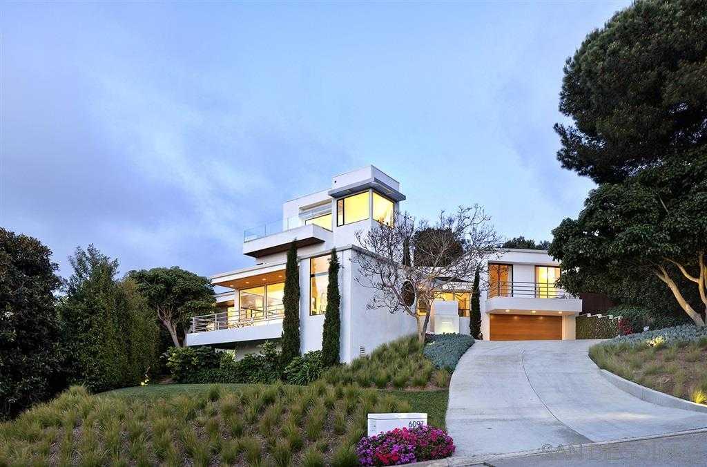 $2,688,000 - 4Br/3Ba -  for Sale in Muirlands, La Jolla