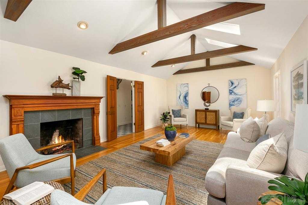 $2,750,000 - 3Br/3Ba -  for Sale in Village, La Jolla