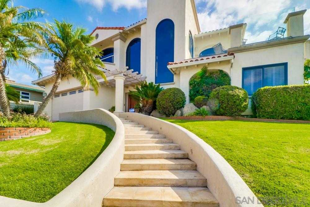 $2,120,000 - 3Br/4Ba -  for Sale in Mission Hills, San Diego