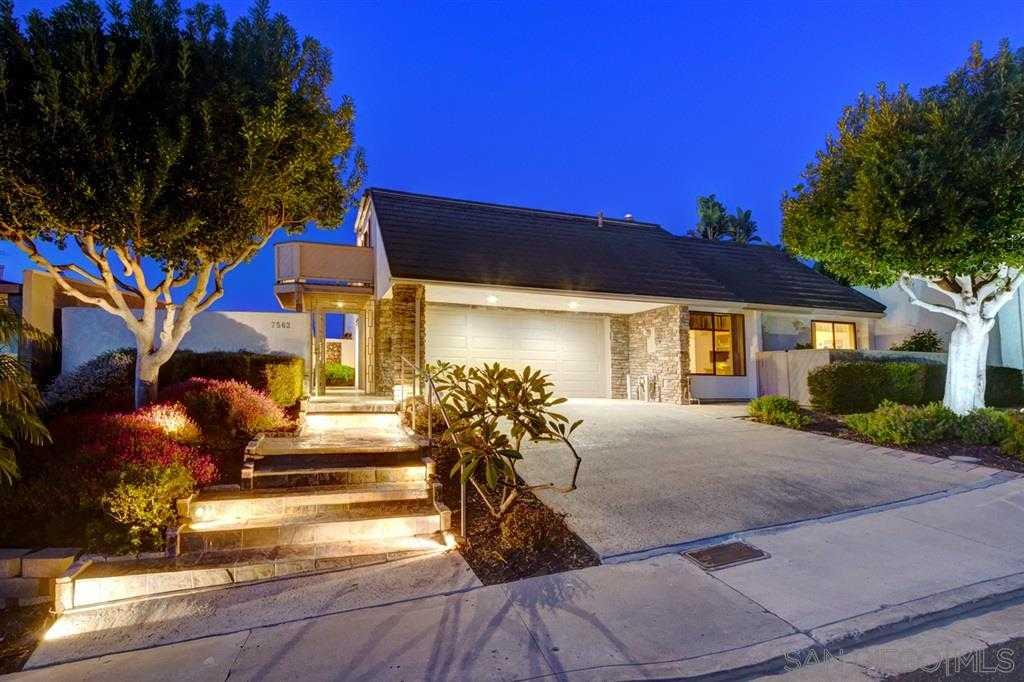 $2,200,000 - 3Br/4Ba -  for Sale in Colony Hill, La Jolla