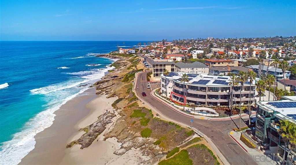 $3,298,000 - 3Br/3Ba -  for Sale in Beach-barber Tract/windansea, La Jolla