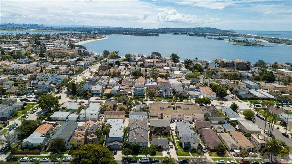 $877,000 - 3Br/3Ba -  for Sale in Pacific Beach, San Diego