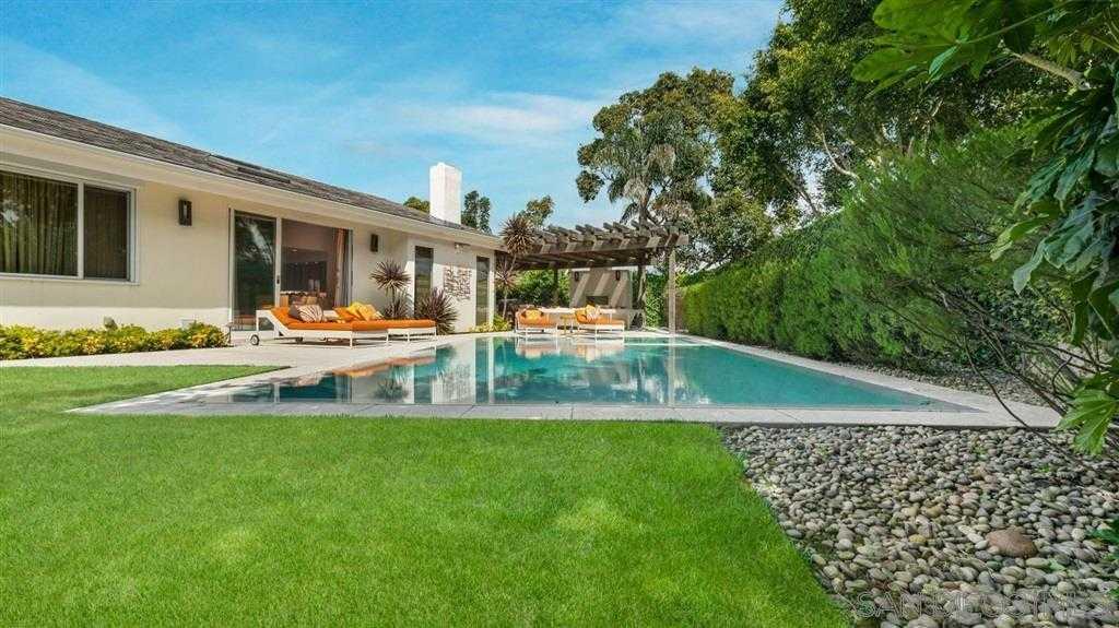 $2,600,000 - 4Br/4Ba -  for Sale in Windemere, La Jolla
