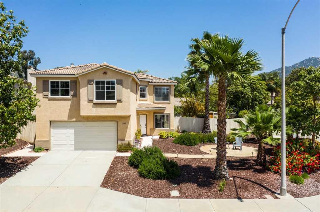 2992 Oakstone Creek Place Escondido, CA 92027