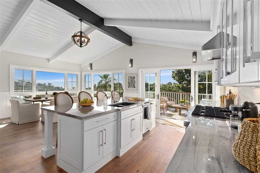 $3,495,000 - 4Br/5Ba -  for Sale in Muirlands, La Jolla