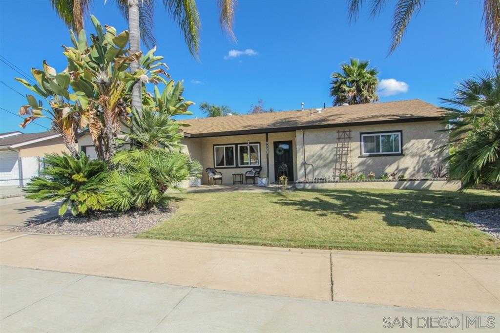$559,000 - 3Br/2Ba -  for Sale in Santee Lakes, Santee