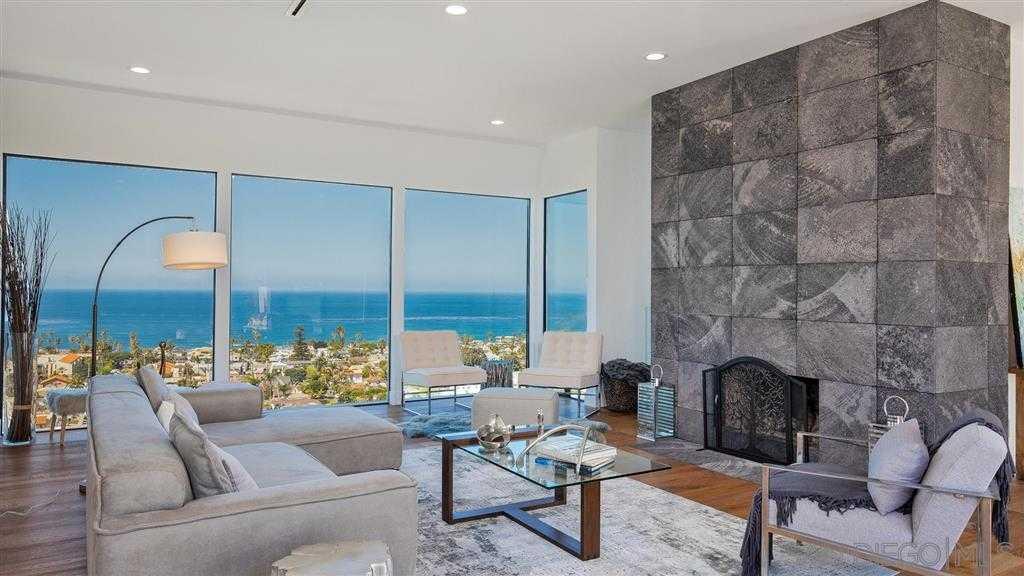 $3,579,000 - 3Br/4Ba -  for Sale in West Muirlands, La Jolla